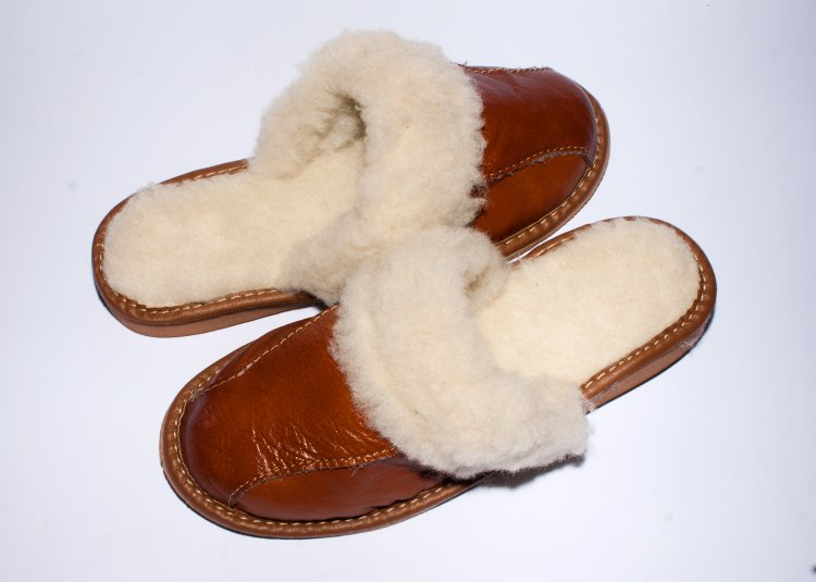 Women s Brown Leather Slippers With Sheep s Wool  0981  -  22.00   13b530bba0